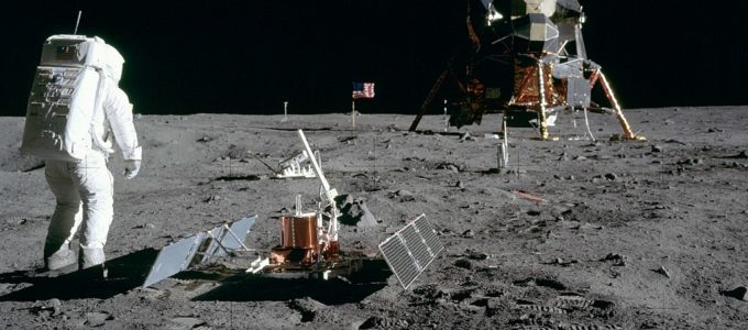 1024px-Aldrin_Looks_Back_at_Tranquility_Base_-_GPN-2000-001102